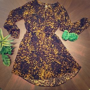 Patterned tunic dress with waist tie